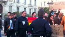 Montpellier: des militants pro-mariage gay font face aux veilleurs de la Manif pour tous