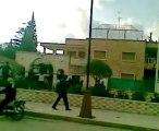هدم تمثال حافظ الاسد في درعا -اطلاق نار من بيت المحافظ