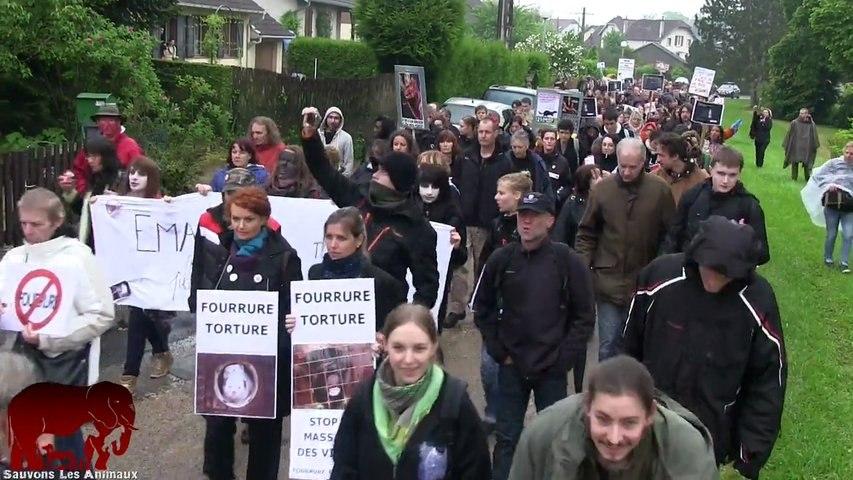 Manifestation pour la fermeture de l'élevage de visons d'Emagny (01.06.2013)