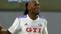 Didier Drogba se régale et fusille un gardien !