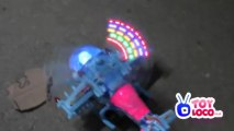 WWW.TOYLOCO.CO.UK Battery Operated Flashing Lights Bump And go Helicopter Toy 8870