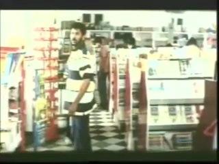 ULLAM KOLLAI POGUTHAE (Tamil) Prabhu Deva & Anjala at a shop