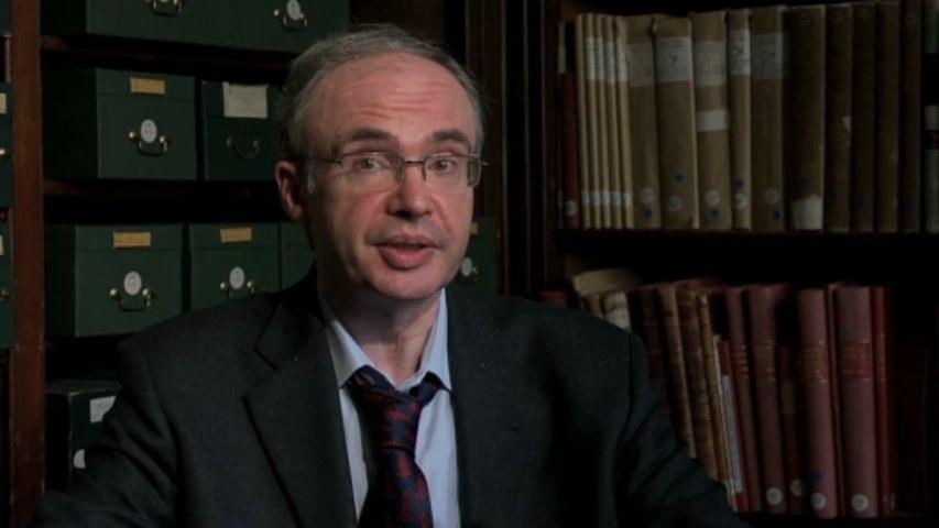 Portrait Olivier Guyotjeannin, Diplomatique : définition et évolutions