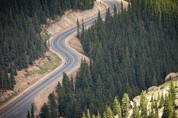 La montée de Sébastien Loeb à Pikes Peak en caméra embarquée