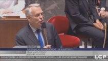 """Jean-Marc Ayrault fustige """"les propos minables"""" d'un député"""