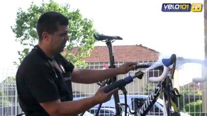 Les mécanos du Tour avec Saxo Tinkoff