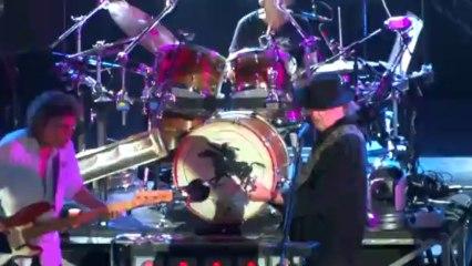 Neil Young et Crazy Horse, toujours à Vienne