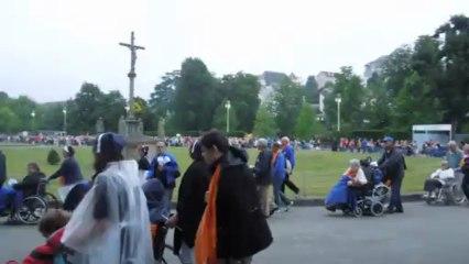 Procession aux flambeaux - Lourdes 2013