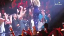Beyonce Fan Faints When Singer Holds His Hands!