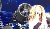 Beyoncé Knowles se coince les cheveux dans un ventilateur! ahaha trop marrant!