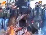 Moralleri yüksek  olan YPG savaşçıları cephede halay çekiyor