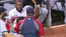 Un joueur de Baseball pète un câble en direct avec sa batte!! Grosse colère David Ortiz des Boston Red Sox..