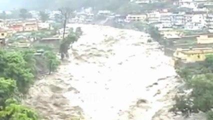 Uttarakhand Flood 2013 - Heavy Rain Bhilangana River In Ghansali