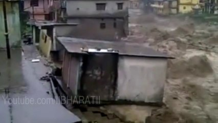 Top 9 Live Destroying Videos From Uttarakhan Flood 2013