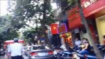 VIETNAM : promenade en cyclo-pousse dans les rues d'Hanoi