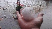 Enorme tempête de grêle en Allemagne !! Recevoir des grêlons de la taille de balles de tennis en juillet...