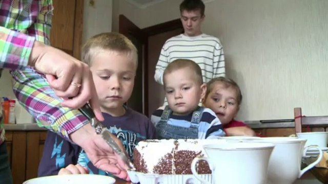Russian dad becomes unlikely hero in Navalny case
