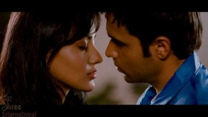 Emraan Hashmi & Neha Sharma Scene in Crook Movie