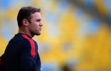 Exclusive - Mark Bosnich warns Manchester United against 'suicidal' Rooney sale to Chelsea