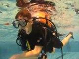 PADI : SCUBACOOL école de plongée : Discover Scuba Diving PADI à la piscine de Gilly