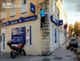 Le Spiderman Français - Sauter un mur de 6m tranquillement, il peut le faire...