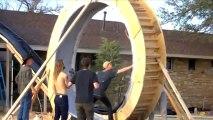 Un tobogan en looping géant dans le jardin!! Tu pars du toit et tu fonces!!