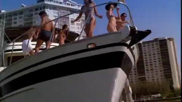 ▶ MIAMI VICE (2 Flics à Miami) - Season 2 Best Moments (Funky Trailer) - YouTube_1