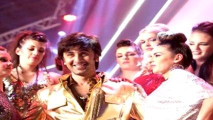 Ranbir Kapoor sings in Besharam