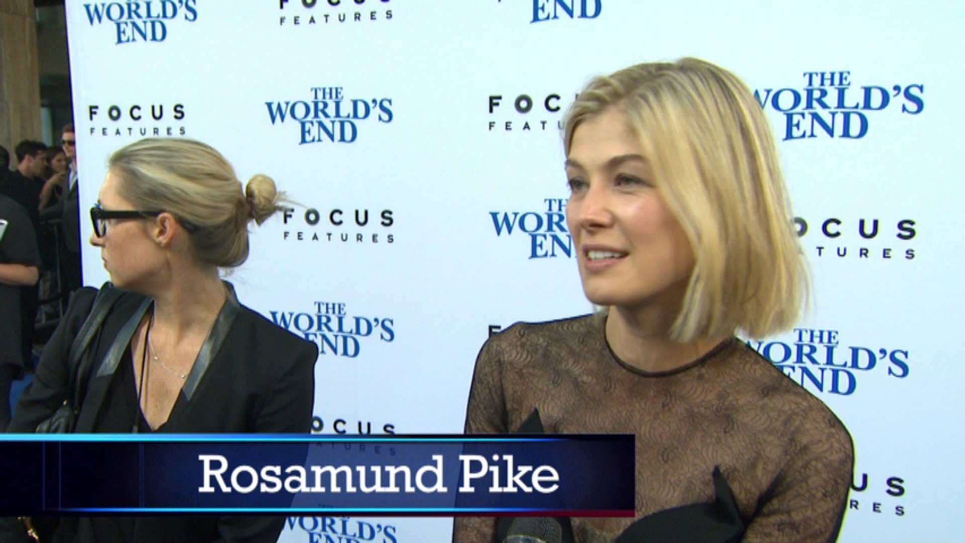 A Stunning Rosamund Pike, Jack Black And Ed Helms On The Red Carpet