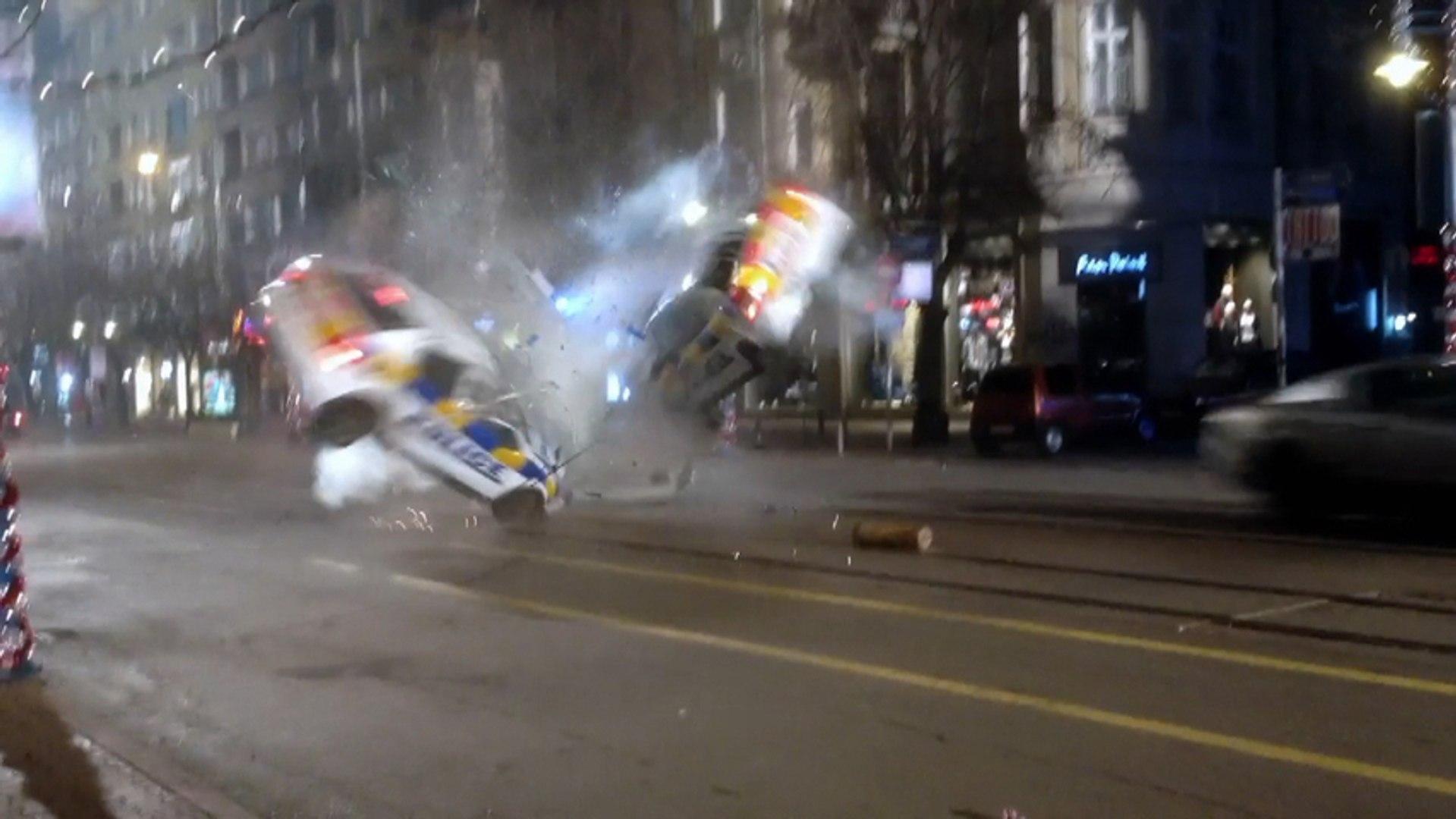 Selena Gomez And Ethan Hawke In Dangerous Crash Scene
