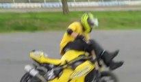 Démonstration de stunt au circuit de Croix-en-Ternois