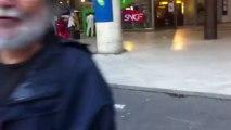 Distribution du Front de gauche pour défendre les retraites au RER B de la Plaine-Saint-Denis