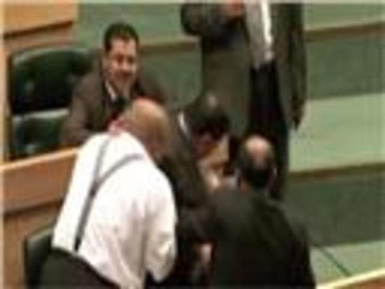 إطلاق نار داخل البرلمان الأردني