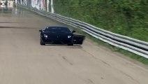 Une Lamborghini perd son pare-choc arrière en pleine course de vitesse!!