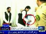 Expose - Imran Khan U-Turn, shake hands with Nawaz Sharif & Maulana Fazl ur Rehman