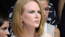 Nicole Kidman Hit By Paparazzo In Bicycle - Nicole Kidman Knocked Down By Photographer