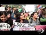 """India, pena di morte per i quattro violentatori del bus a Delhi. La ragazza morì, l'amico sopravvissuto: """"Siamo tutti colpevoli"""""""
