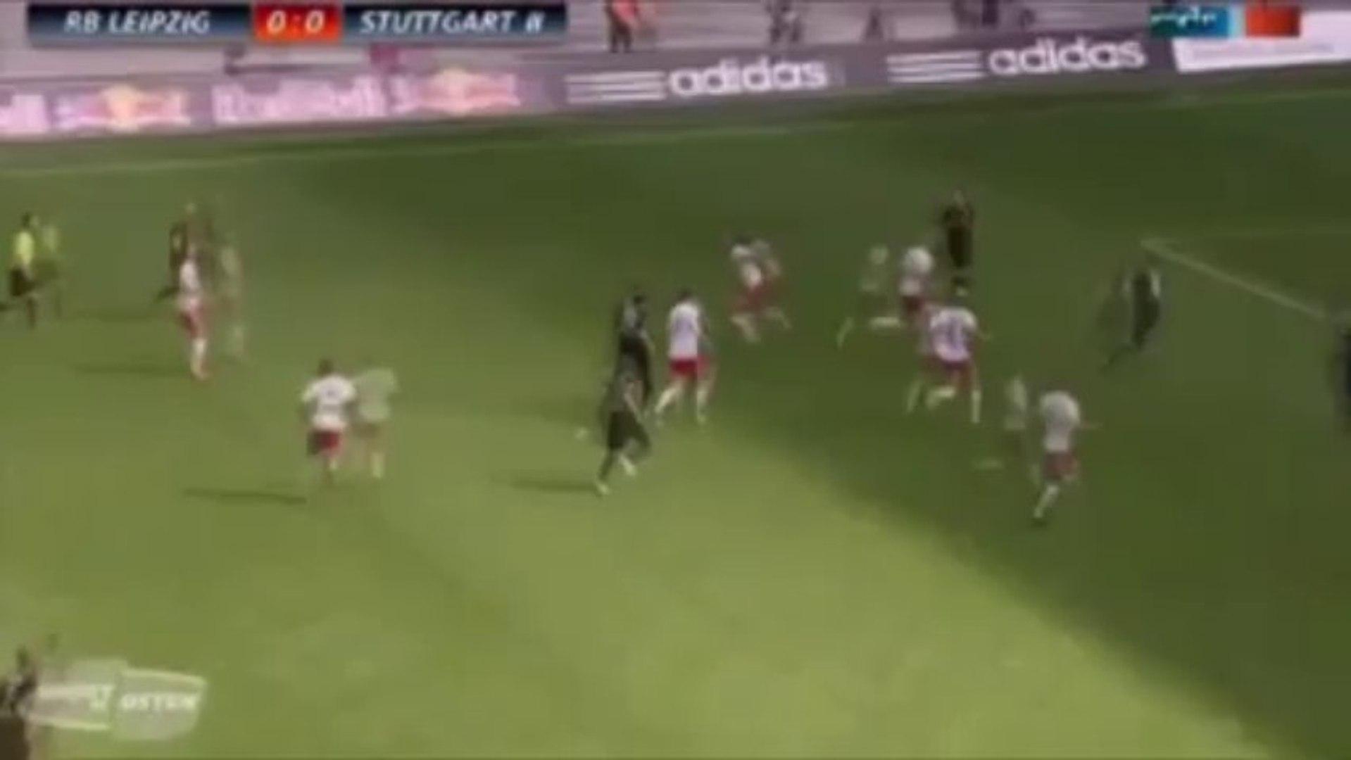 Una sorprendente estrategia para marcar un gol