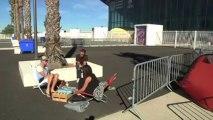 Les fans de Mylène Farmer campent devant l'aréna 2 semaines avant le concert