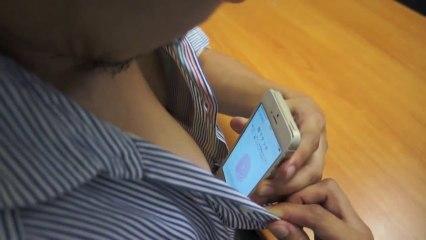 Déverrouiller son iPhone avec ses tétons - Vidéo Dailymotion