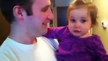 Sevimli Bebek Babasının Sakalsız Halini Görünce