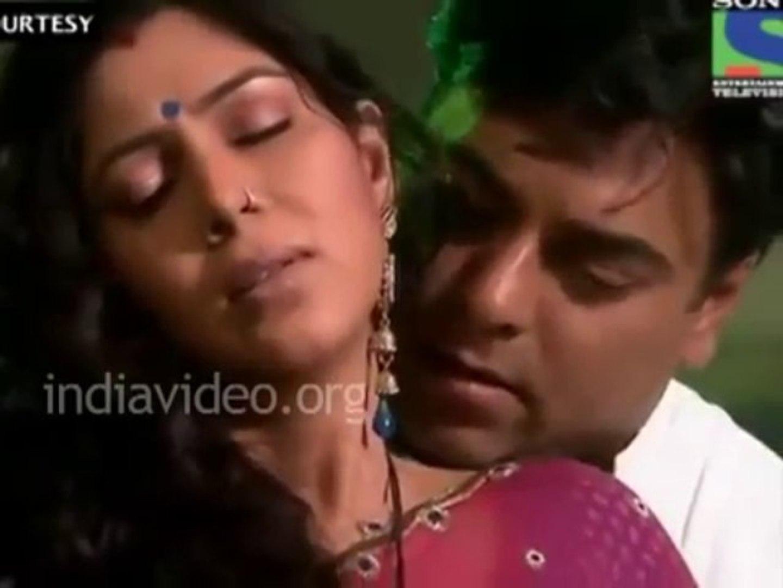 Ram-Sakshi intimate scene in Bade Achhe Lagte Hain is not vulgar