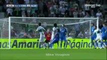 Football : Pepe fait une prise de judo sur son défenseur... et obtient un penalty !