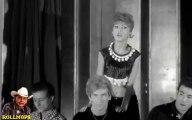 """JOHNNY HALLYDAY """" RETIEN LA NUIT & SAMEDI SOIR """" &  LES CHAUSETTES NOIRES """" C'EST MIEUX COMME CA """" FILM LES PARISIENNES 1962  """"ROLLMOPS """""""