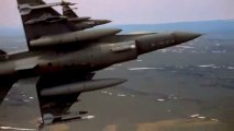 Un chinois invisible vole un F-16 aux américains !!!