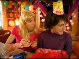Samantha Oups ! Samantha prépare l'anniversaire de Chantal (partie 2)