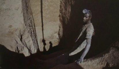 Gwenn Dubourthoumieu, photoreporter 2012 : Les mangeurs de cuivre (RDC)