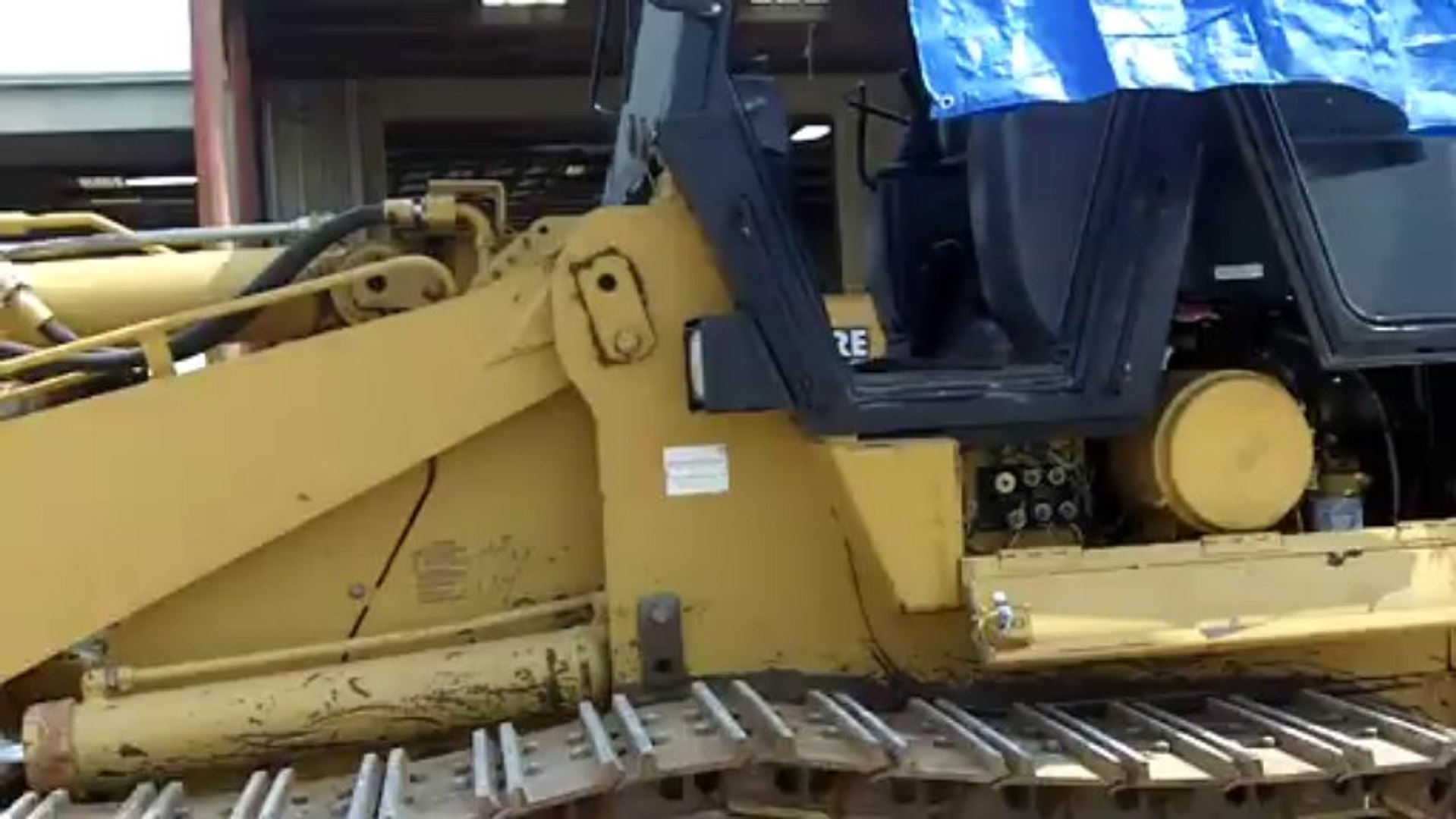 Preventive Maintenance Work on Caterpillar 963 Track Loader