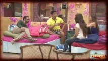 BIGG BOSS 7 : Kushal Sleeps HUGGING Gauhar 4th Oct 2013 Episode