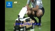 طريقة ادخال الكرة الى الملعب في مباراة الاتحاد و الأهلي في دوري عبداللطيف جميل 2013 / 2014